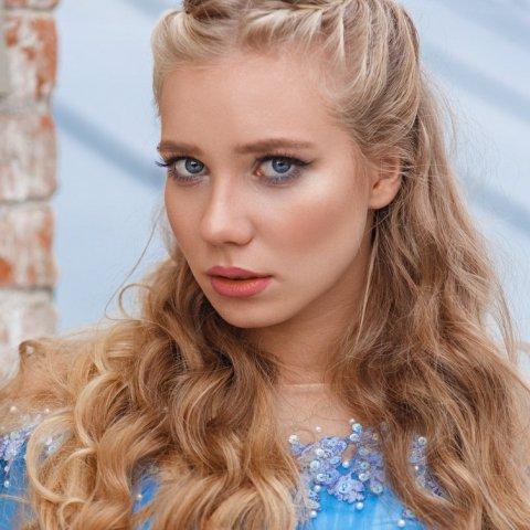 Михайлова Алена 19 лет