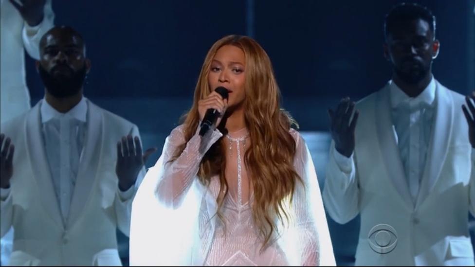 Beyonce - Take My Hand, Precious Lord (Live @ Grammy Awards)